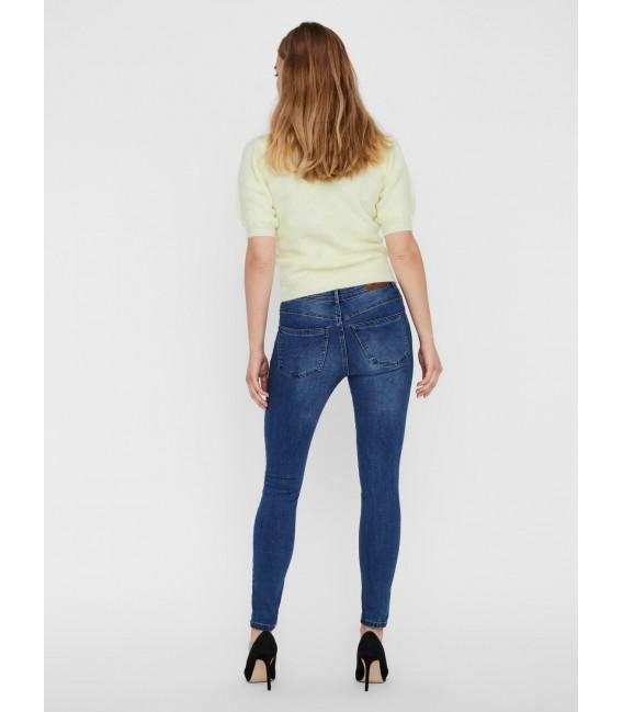 Jeans pitillo azul Vero Moda parte atrás