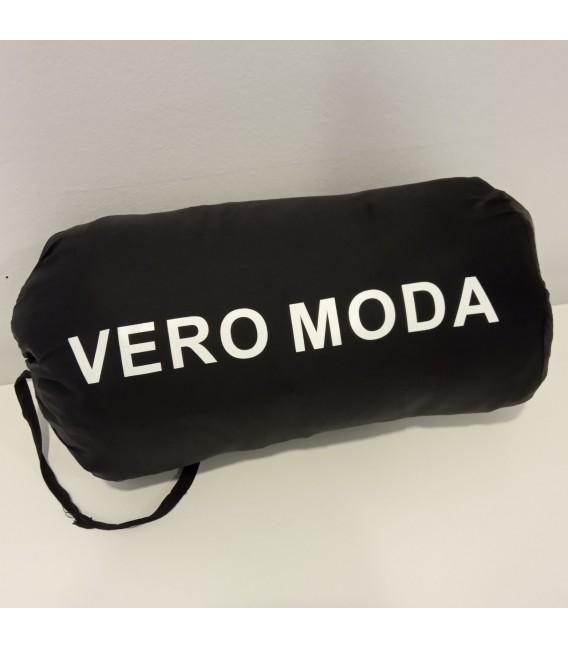 Chaqueta acolchada capucha Vero Moda bolsa